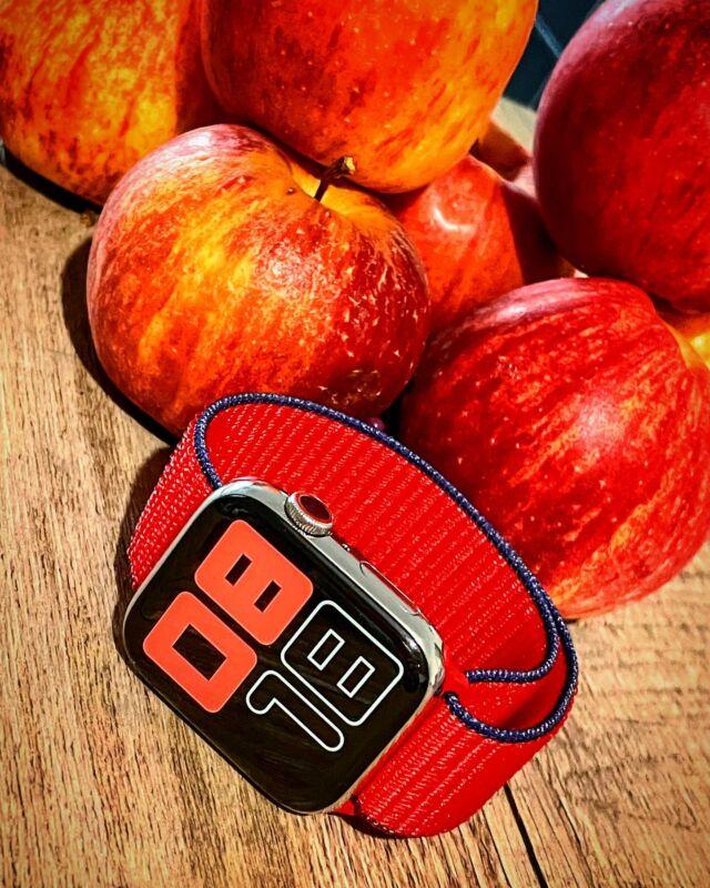 Chez Band-Band on aime beaucoup les pommes 🍎 Surtout avec la nouvelle collection de #bouclesport pour Apple Watch 👌  #applewatch #apple #applewatchband #watchporn #watchesofinstagram #applewatchfanz #instawatch #loopfin20   https://www.band-band.com/produit/boucle-sport-nylon-tisse-fin-2020-apple-watch/