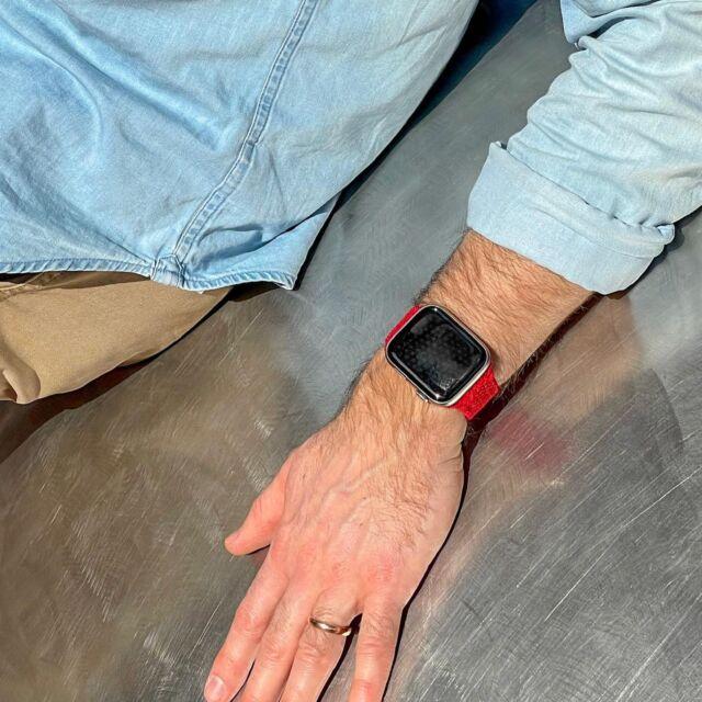 Encore quelques minutes de soleil 😎 Avec une boucle unique tressée pour un poignet léger ☺️  #applewatch #apple #applewatchband #watchporn #watchesofinstagram #applewatchfanz #instawatch  #boucleunique