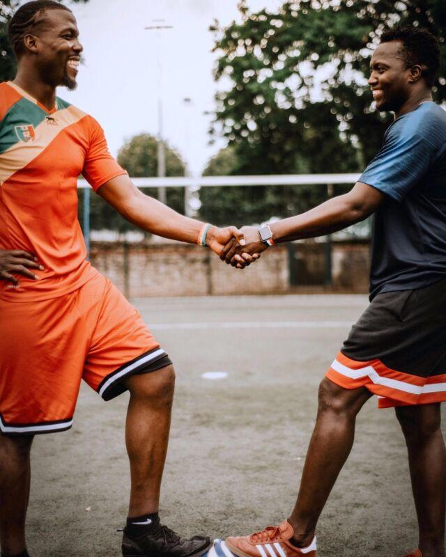Vivez pleinement l'Euro 2020 et la CAN 2021 (avec un peu d'avance !) en arborant fièrement ce bracelet aux couleurs des Bleus et de la Guinée.⠀ ⠀ crédit photo : @violainem_photographies  ⠀ #applewatch #apple #applewatchband #watchporn #watchesofinstagram #applewatchfanz #instawatch  #euro #euro2020 #uefa #fifa #sport #uefaeuro #france #goal #bhfyp #fit #fitnessmodel #workout #training #photooftheday  #motivation #football #fmp #fmpogba