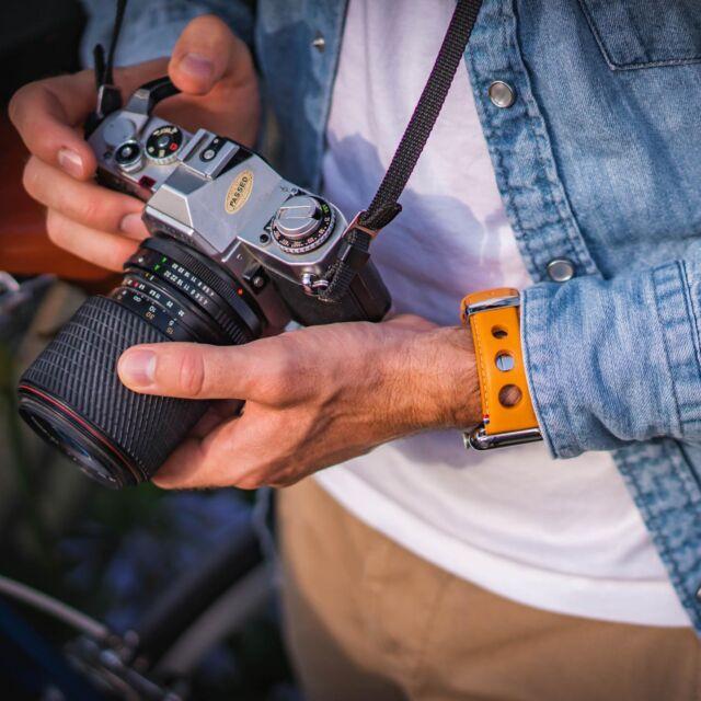 Aujourd'hui c'est séance photo dans les rues de Toulouse avec le nouveau bracelet Rallye pour Apple Watch 😎  #applewatch #apple #applewatchband #watchporn #watchesofinstagram #applewatchfanz #instawatch #fashion #style #photography #photooftheday #picoftheday #model #toulouse #ootd #moda #fashionblogger #bhfyp #chill #outfit #tourist #instatravel #instatoulouse #urbanphotography #rallye  https://www.band-band.com/produit/rallye-apple-watch-bracelet-cuir-vachette-avec-boucle-deployante/