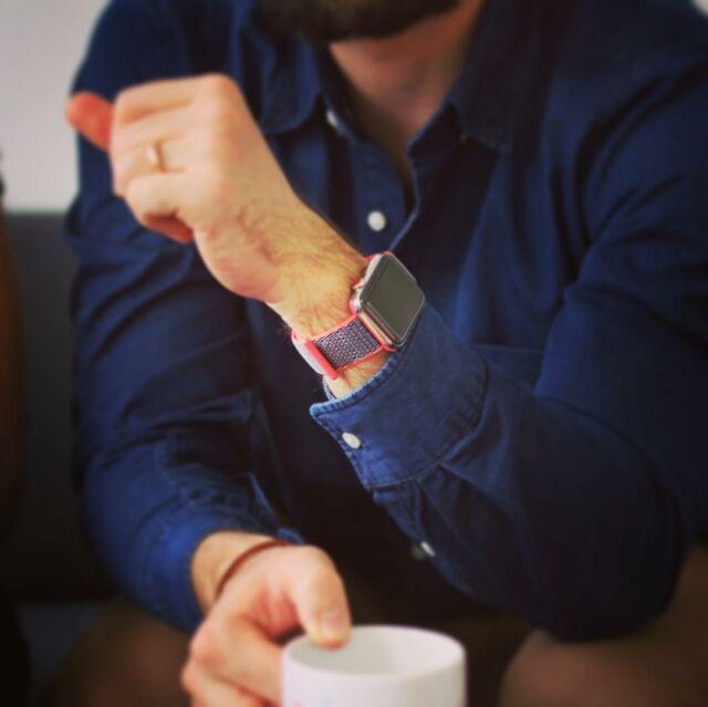 Casual Friday 😊 #applewatch #apple #lifestyle #watch #applewatchband #fashion #instatech #technology #iphone #ipad #menfashion #retro #vintage #style #bouclesport2017